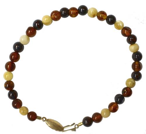 Bernstein-Armband mit Perlen.