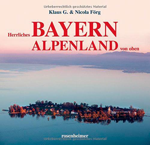 Herrliches Bayern Alpenland von oben.