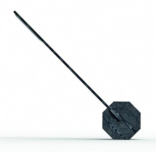 Schwarze Schreibtischlampe aus Holz »Oktagon«.